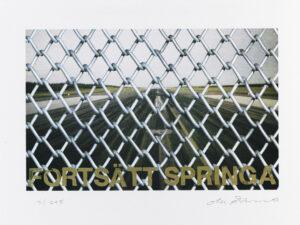 Konstnär Ola Åstrand. Konstverk benämning OÅ2 'Fortsätt springa', litografi, pappersmått: 44x32 cm, bildmått: 36x23 cm, upplaga 295. Våga Se - Konst