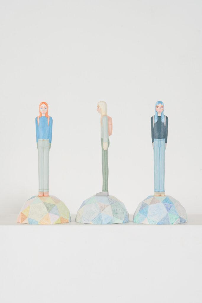 Sara Nilsson, Rookie. Nummer 6, 7, 8. Vinster i Våga Se - Konst konstlotteri 2021. 3D-print av träbaserad biokomposit. 12x26x12 cm. Upplaga 8.